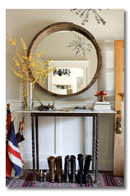 Lessons in design decorating a foyer 8 ways for Decorating your foyer
