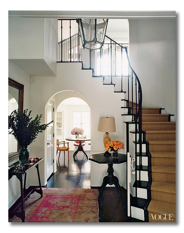 A grand foyer with a hint of pink