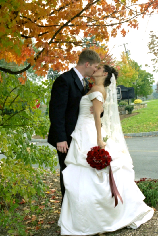 Wedding kiss via @fieldstonehill