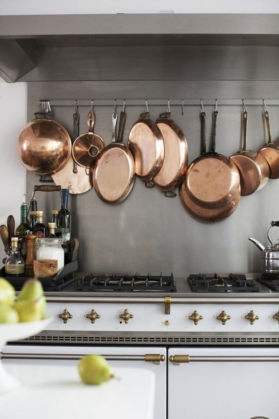 10-ways-to-use-copper-via-fieldstonehill-hanging-pots-stove